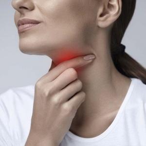 Come usare la propoli grezza, rimedio contro il mal di gola